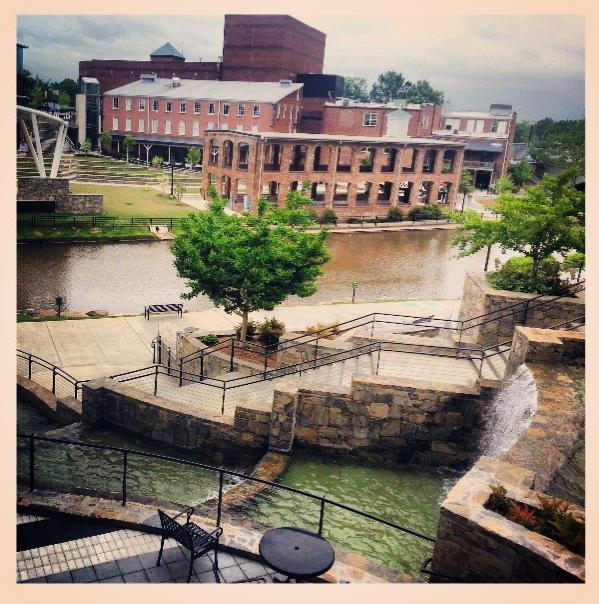 Great pic of beautiful Greenville by i/@erichargraves #greenville #greenvillesc #upstatesc #goclemson